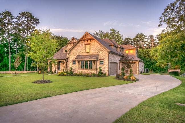 Find a wide variety of beautiful homes in the tranquil Regency community.