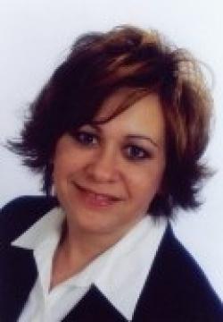 Photo of Lydia Santoro