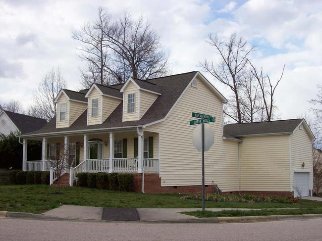 Moss corner exterior