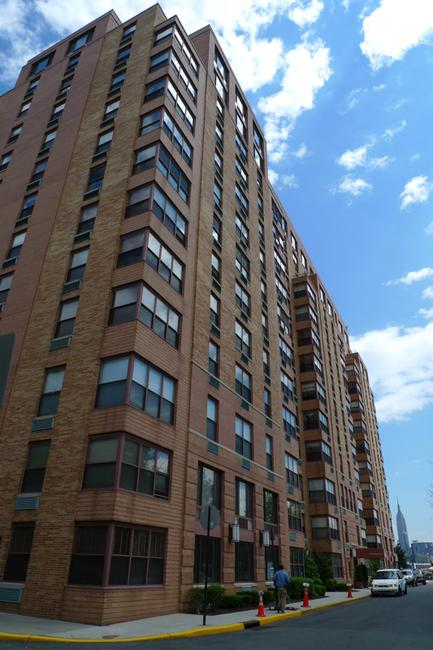 Unique Brick Color Gives 2 Constitution Court in Hoboken, NJ a Flair