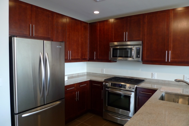 Modern Appliances at Gulls Cove in Jersey City, NJ