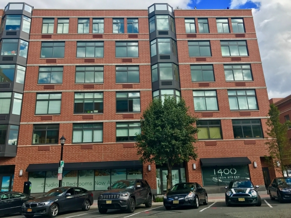 1400 Hudson Entrance in Hoboken, NJ