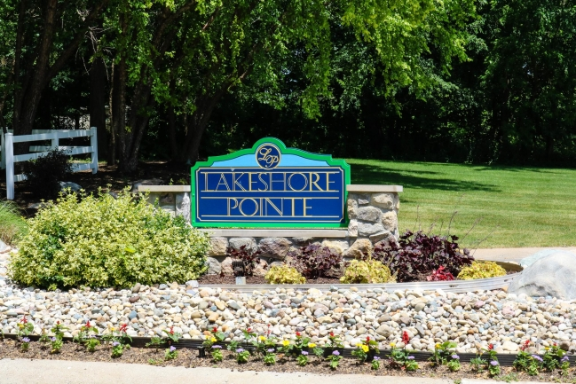 Lakeshore Pointe Entrance
