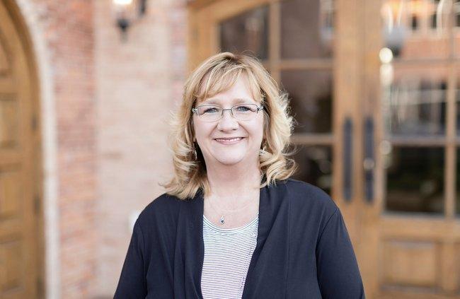 Photo of Tina Peterson,