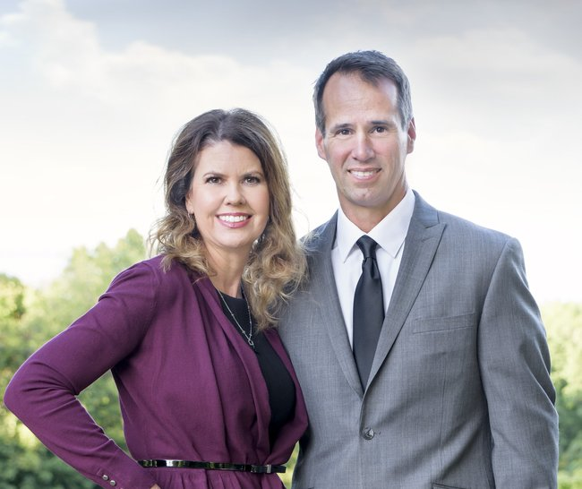 Photo of Mark and Jennifer Monge,