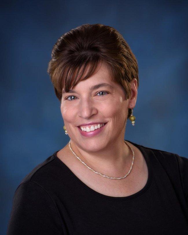 Photo of Lisa Schwab,