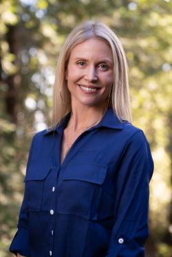 Photo of Elizabeth Kreck