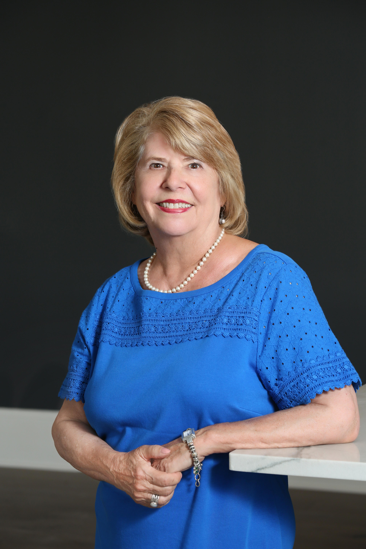 Lynda Nugent Smith