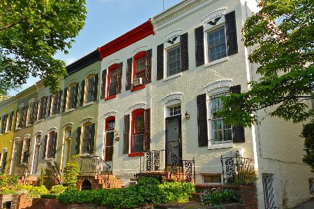 row of townhomes in foggy bottom, new orleans