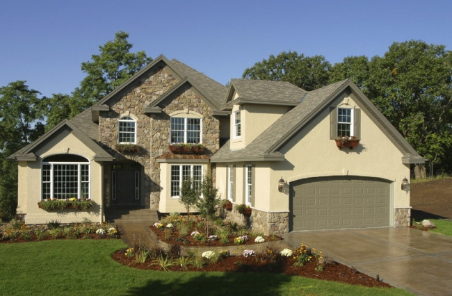 Charming homes await in Andover Lakes of Plymouth, MI.