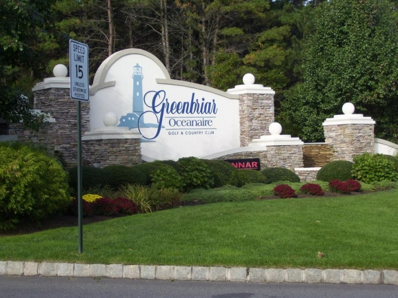 Greenbriar Oceanaire Entrance