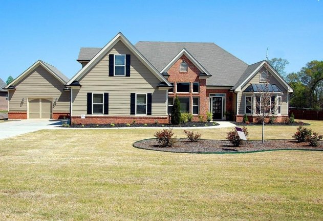 Carriage Creek features new homes with 2 to 3 bedroom floor plans.