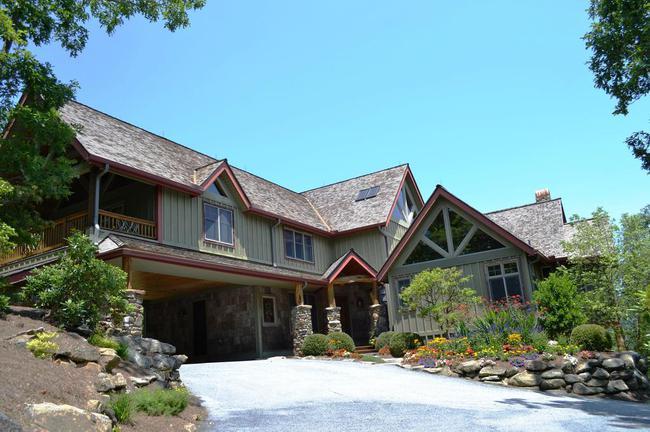 Gorgeous Mountain Lodge
