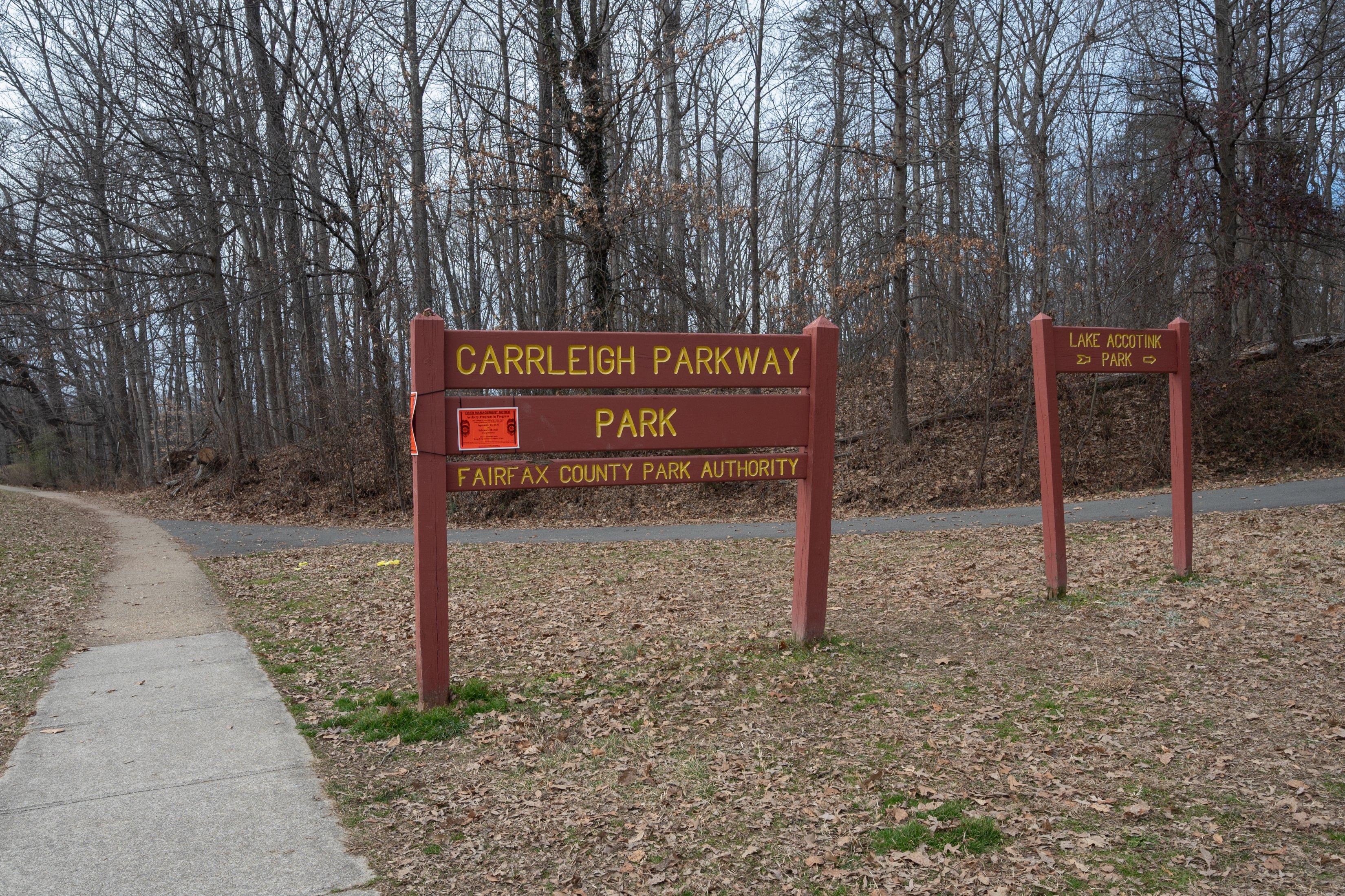 Carrleigh Pkwy sign