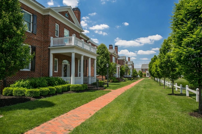 Pleasant streetscapes are hallmarks of Lansdowne in New Albany Country Club