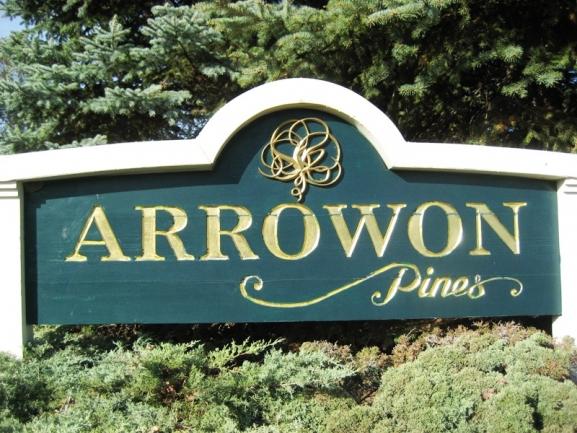 Arrowon Pines, Novi MI condos. Subdivision entrance.