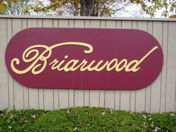 Briarwood condos of Novi MI. Condo entrance.