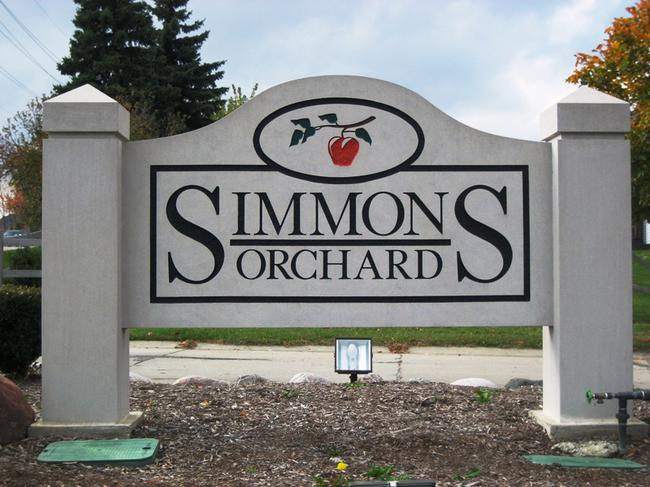 Simmons Orchard Subdivision Entrance, Novi Real Estate