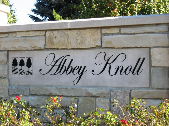Abbey Knoll subdivision, Northville MI. Subdivision entrance