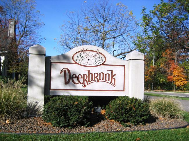 Deerbrook Subdivision Entry in Novi Michigan