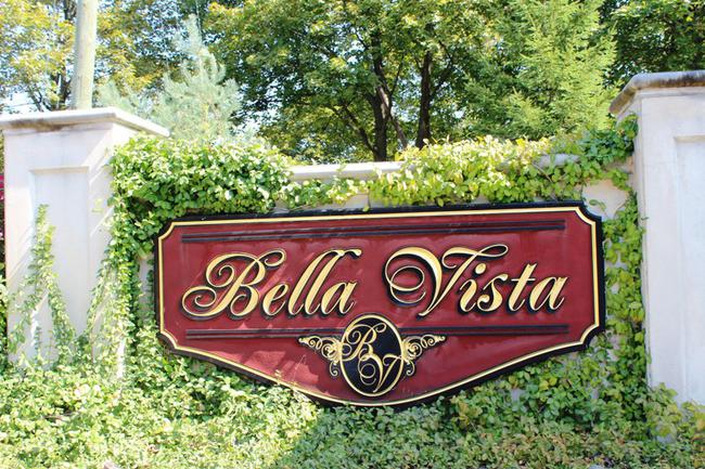 Bella Vista Neighborhood in Northville, MI Real Estate