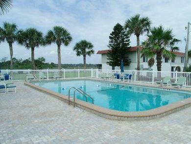 Beautiful Ocean Palm Villa pool