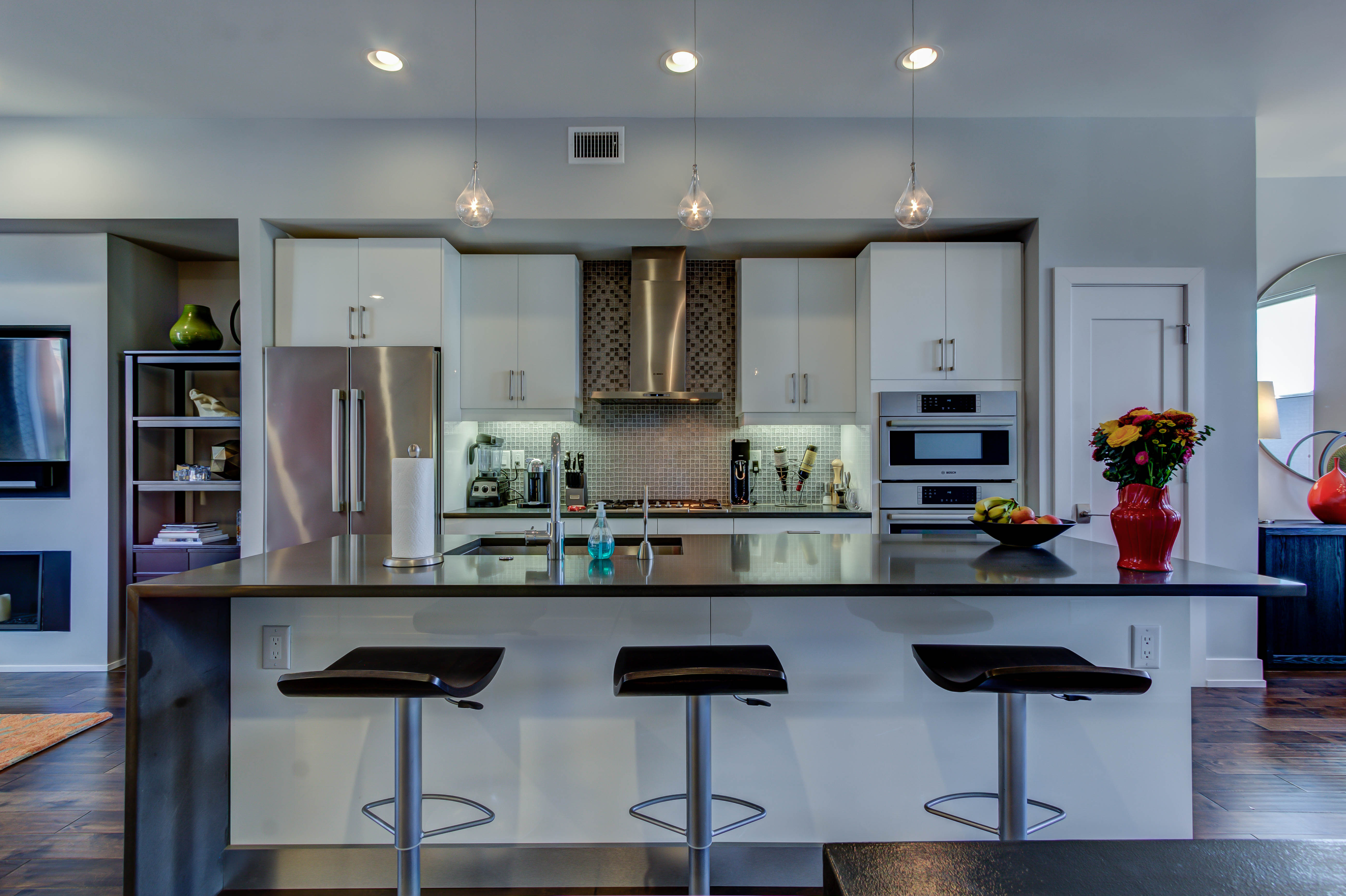 kitchen and island of Fairmount East