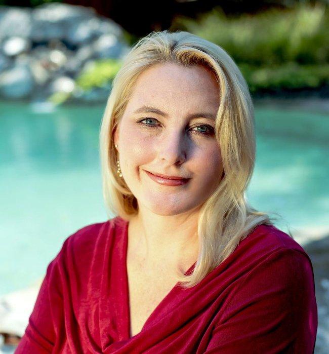 Photo of Amanda Thomas,