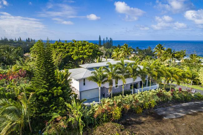 Welcome to your new happy place in paradise! Offered at $460,000 MLS#647568
