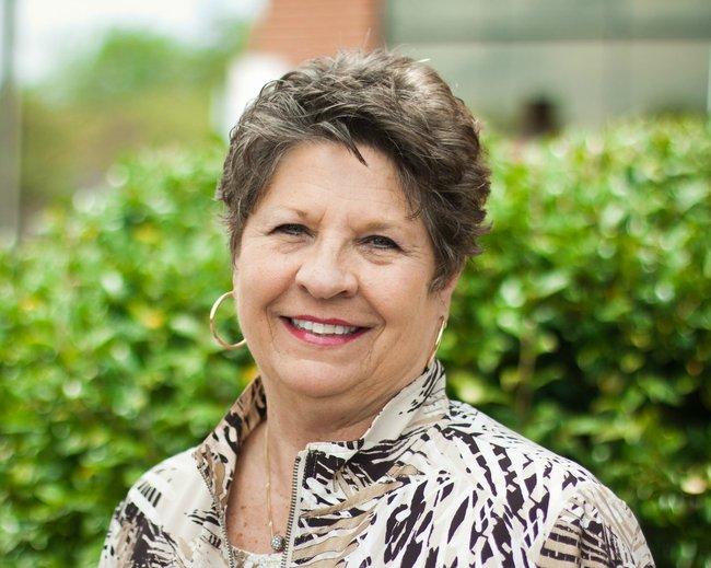Photo of Linda Jones,