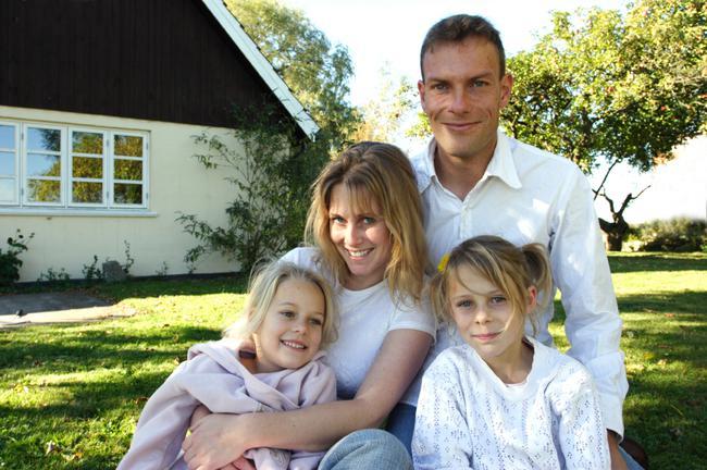 Bradley Hills Grove Neighborhood Family