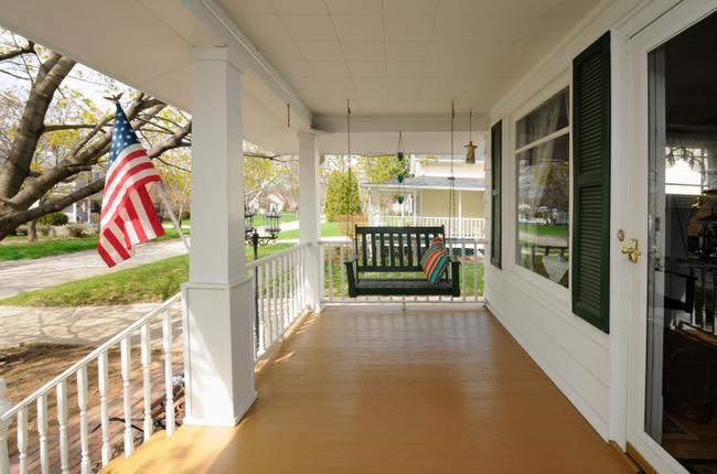 Avenel Potomac Neighborhood Home With Inviting Swing