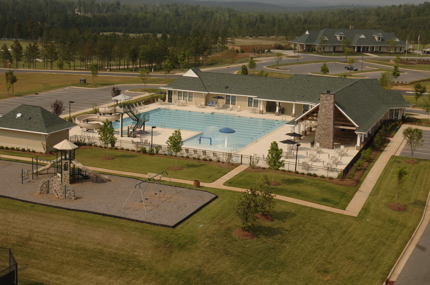 Chapel Ridge pool and clubhouse