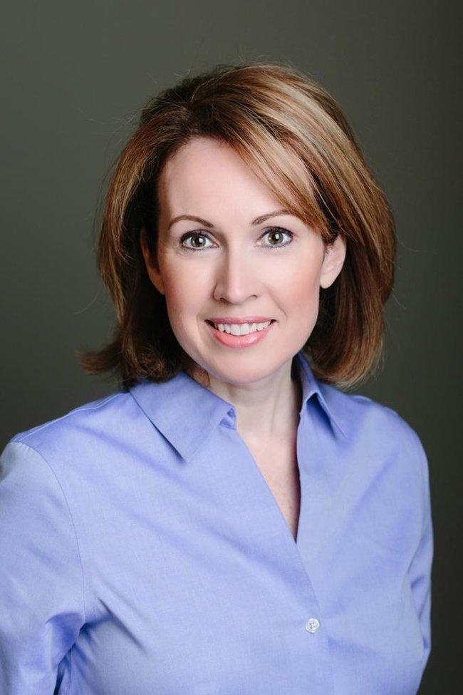 Photo of Elizabeth Malone,