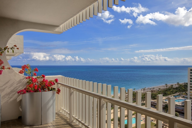 10105 Collins Ave 1600_011