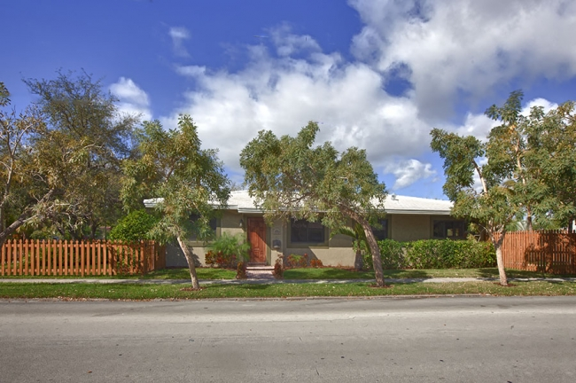 425 S 15 Ave_01