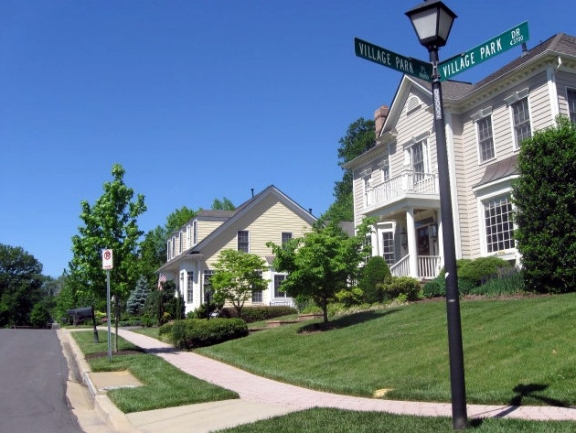 street lined with houses in Chevy Chase, MD