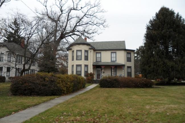 victorian-style home in Gaithersburg