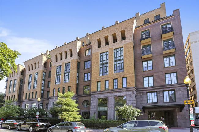 Welcome to 910 M Street NW #1020!