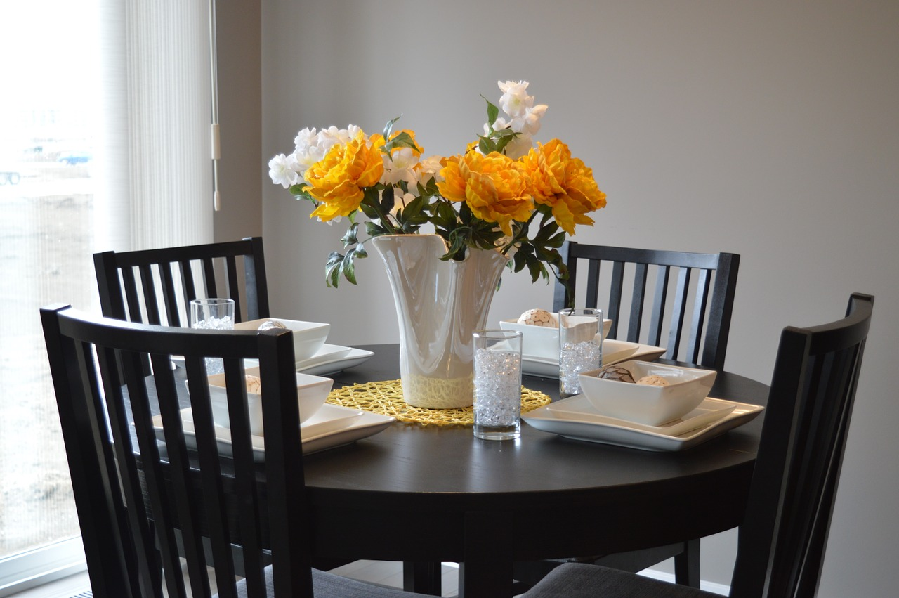 dining table in a home at the golf villas at hasentree