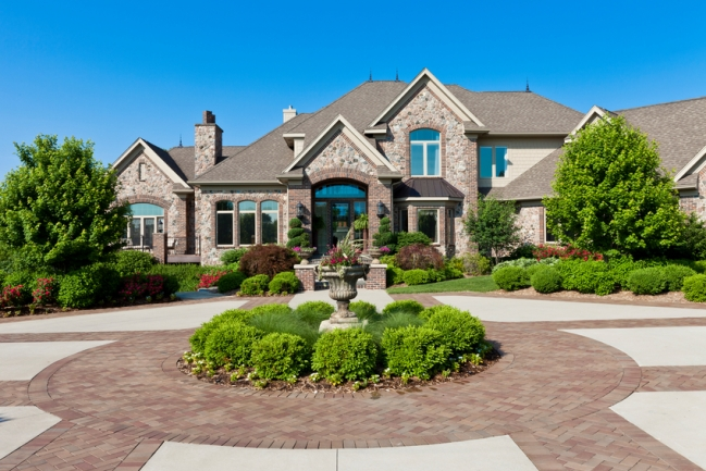 Discover extravagance and luxury in Weycroft of Cary, NC.