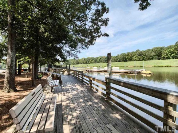 Find beautiful homes in the scenic setting of Bond Metropark at Oxxford Hunt.