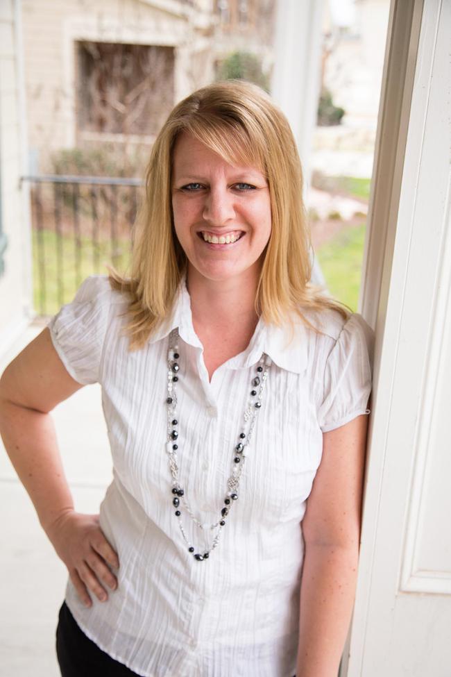 Photo of Jennifer Teborek,