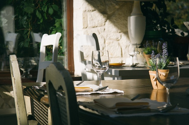 outdoor fine dining tables